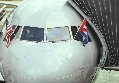 Primer vuelo regular de Estados Unidos a La Habana salió este lunes desde Miami.