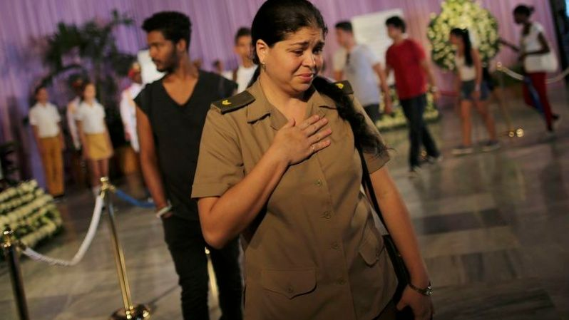 People react to a tribute to Cuba