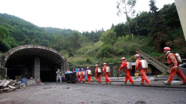 Resultado de imagen para china inundacion mina youtube