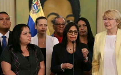Venezuelan Foreign Minister Delcy Rodriguez (C) has said right-wing governments in the region were trying to stage a coup inside Mercosur.