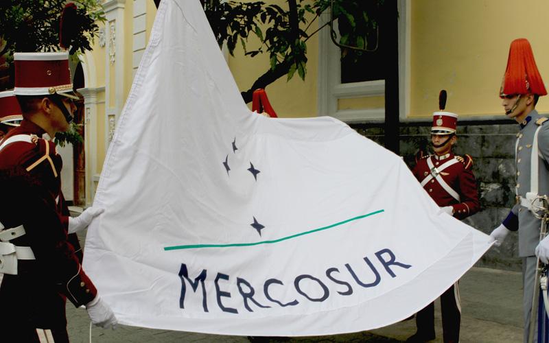 Argentina convoca reunión ilegal del Mercosur la próxima semana