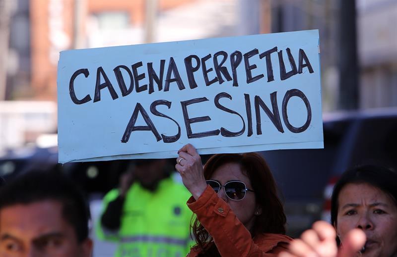 Colombianos piden cadena perpetua para violadores y asesinos de niños