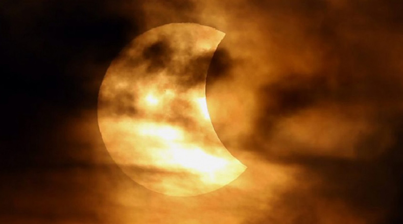 O primeiro eclipse total do ano. Março 2016.