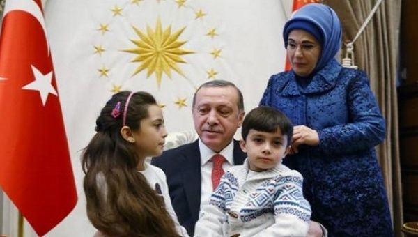 Bana al-Abed and family meeting Turkey