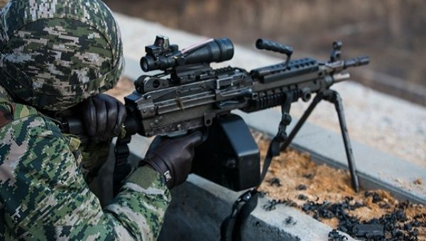 ROK Marines test U.S. marine weapons.
