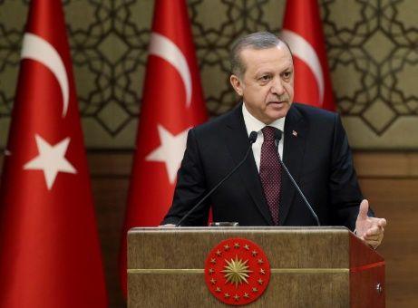 Erdogan acusó a Washington de no haber cumplido su promesa de apoyar las operaciones turcas contra los terroristas en Siria.