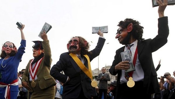 Peruvians protest against corruption ahead of the 2016 election.