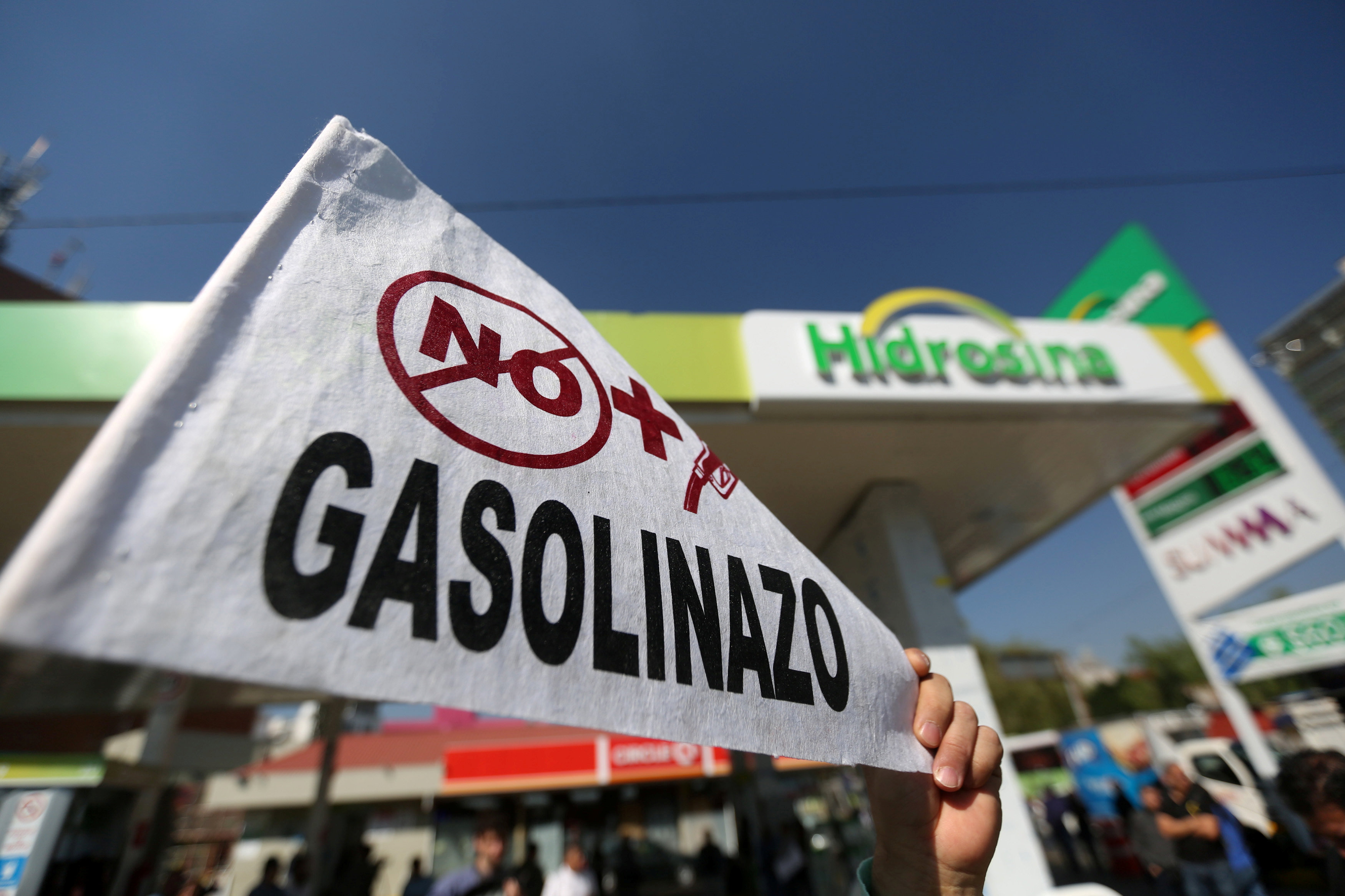el aumento del precio de la gasolina en m xico es para protege