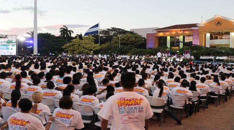 La juventud sandinista asistió al acto de juramentación de Ortega y Murillo.
