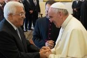 Palestinian President Abbas (L) and Pope Francis (R) meeting at the Vatican. May, 2015