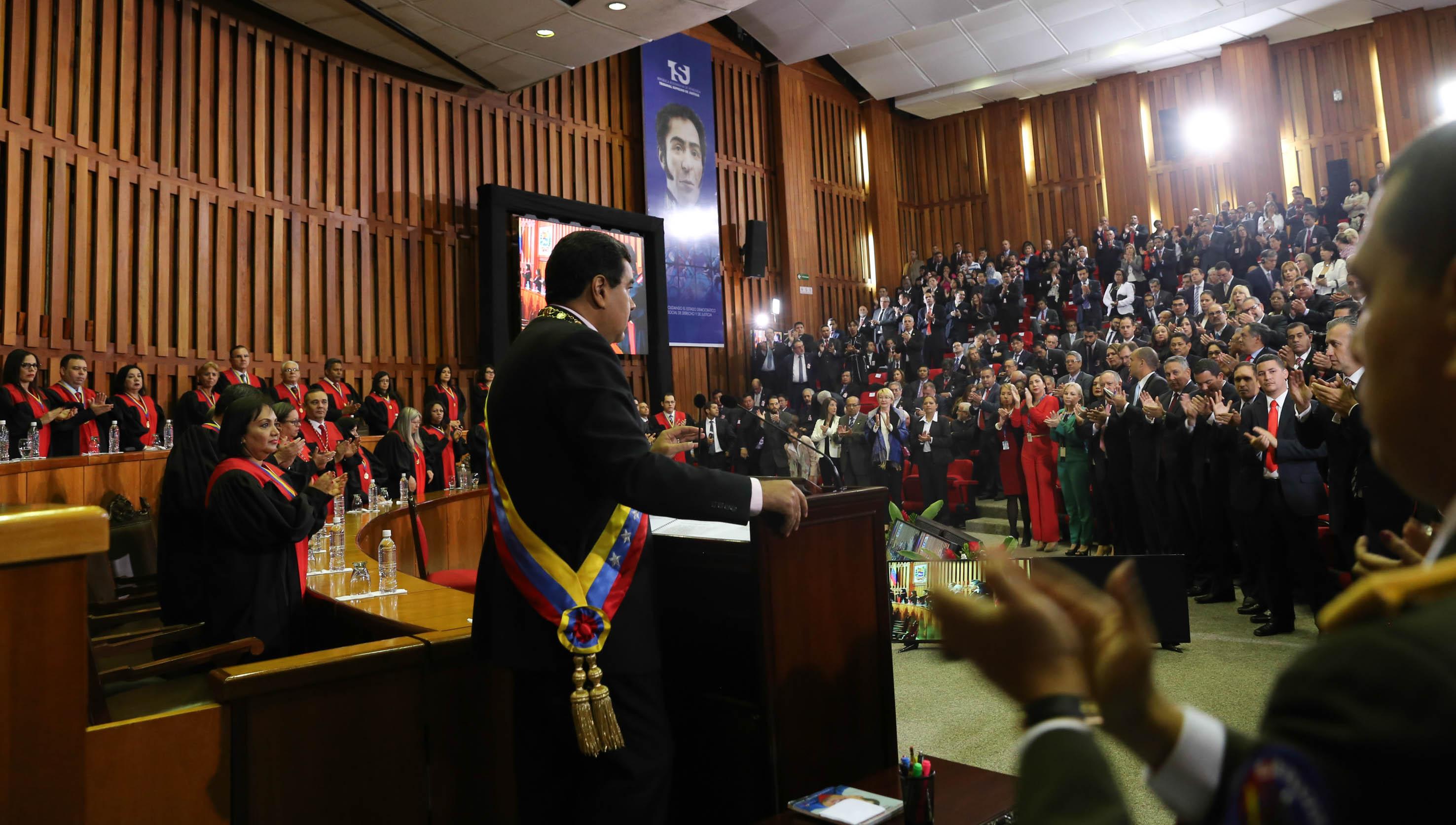 El jefe de Estado venezolano anunció desde el TSJ, reformas parciales al reglamento del Impuesto Sobre la Renta.