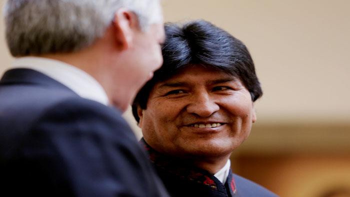 Bolivianos recolectarán firmas para la repostulación de Morales