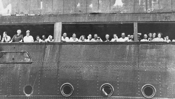 Jewish refugees fleeing the Nazi