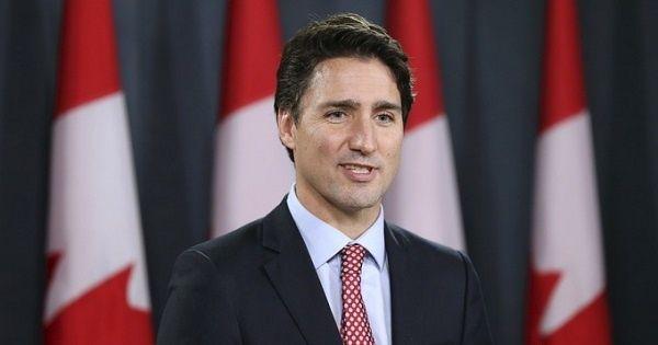 """Justin Trudeau: """"Condenamos este ataque terrorista contra los musulmanes en un centro de culto y refugio""""."""