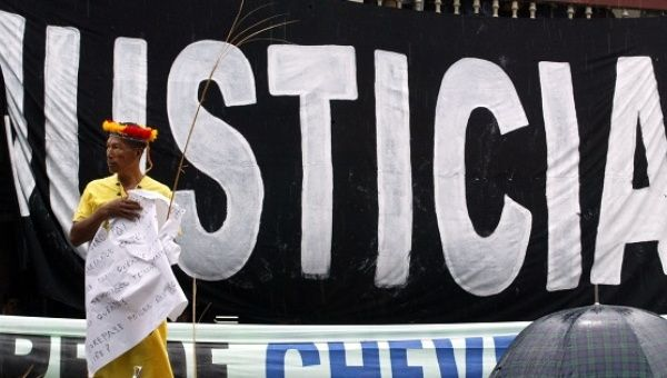 Campesinos and Indigenous groups protest against Chevron.