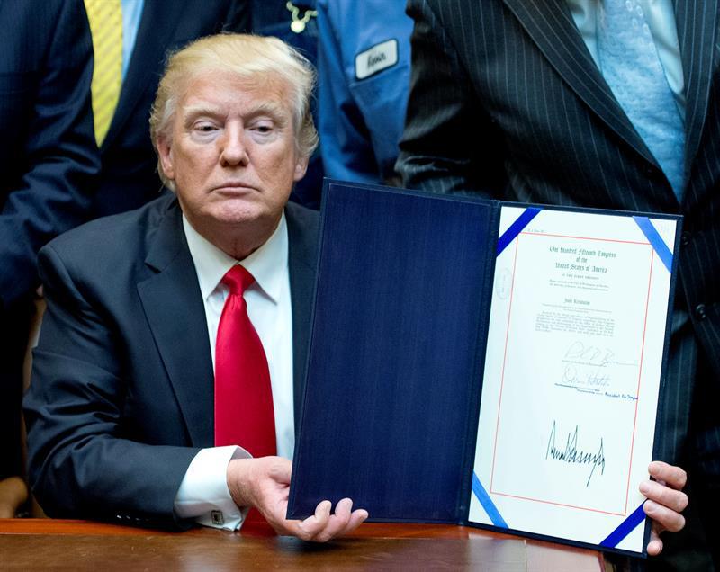EE.UU. movilizará 100.000 tropas para controlar la inmigración