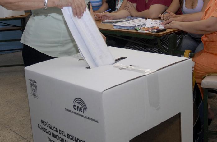 Ecuatorianos elegirán este domingo al nuevo presidente del país