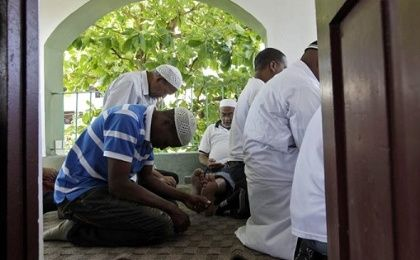 There are an estimated 10,000 practicing Muslims in Cuba.