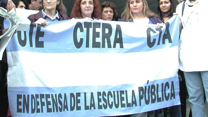 Docentes convocan a paro general el 6 y 7 de marzo en Argentina