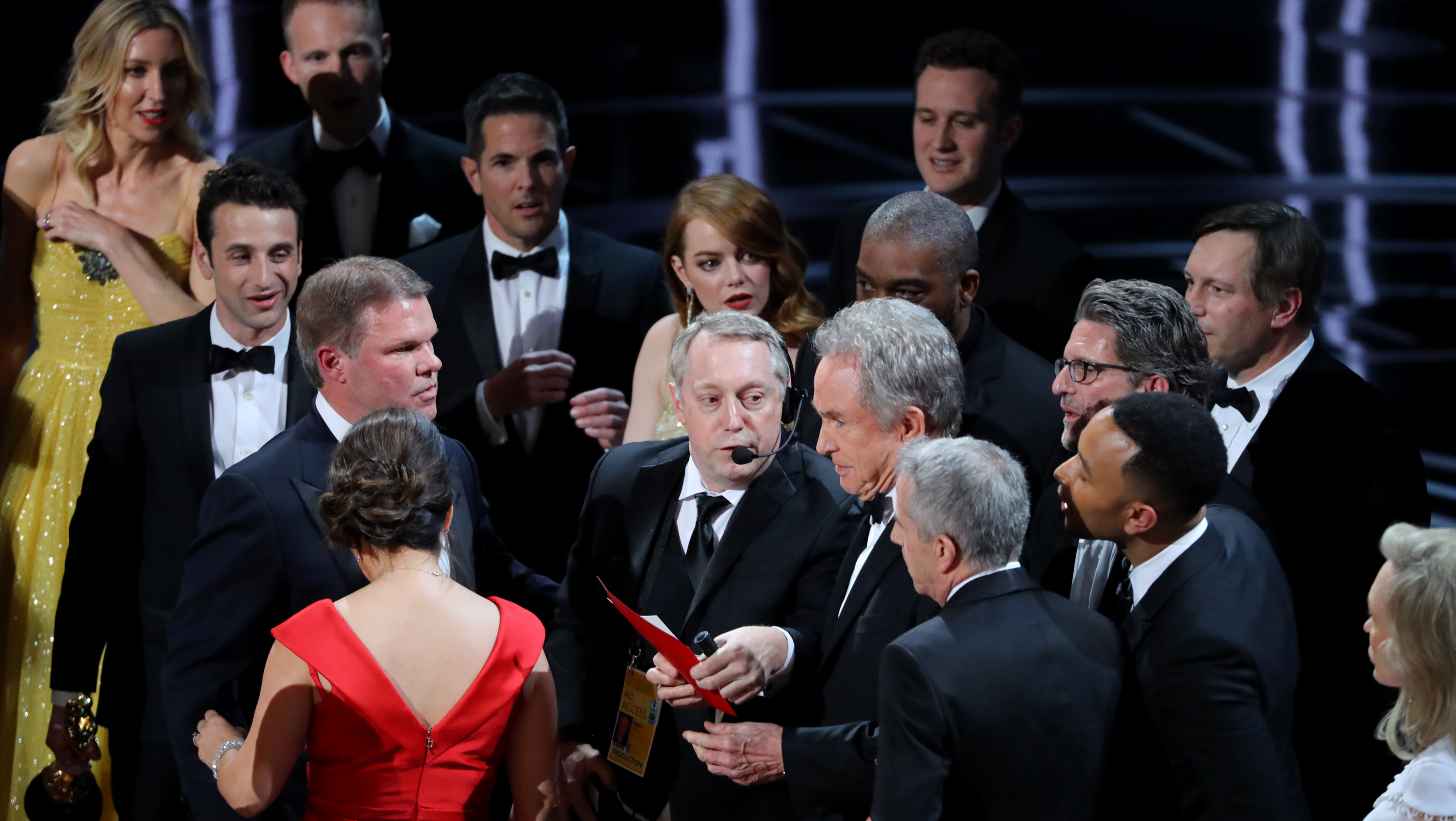 Warren Beatty hizo el ridículo al premiar a La La Land en vez de a Moonlight.
