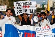 Anti-TPP Protesters Clash with Riot Police in Chile