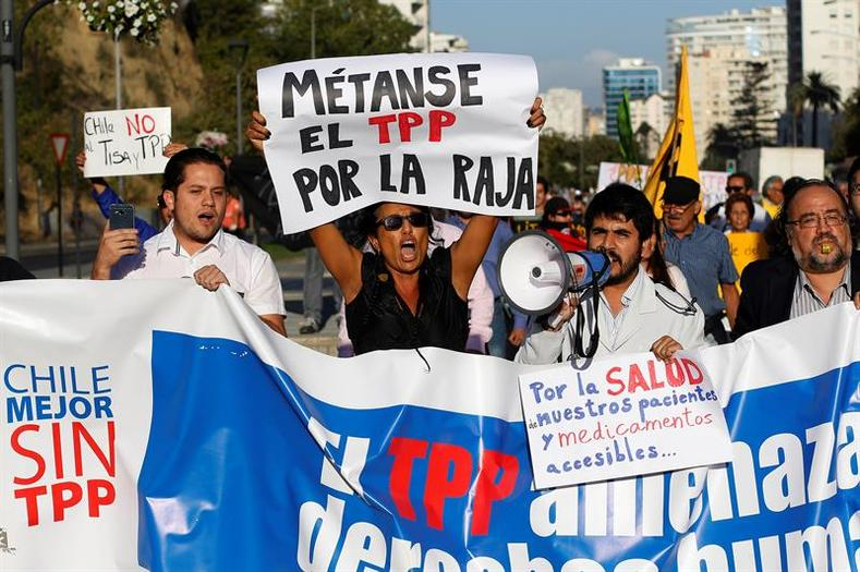 Ahead of the summit, over 200 social organizations penned an open letter to trade ministers attending the meeting in Chile, stressing that the dangers the TPP represented are proof it should not be upheld as a model for negotiating future trade deals.