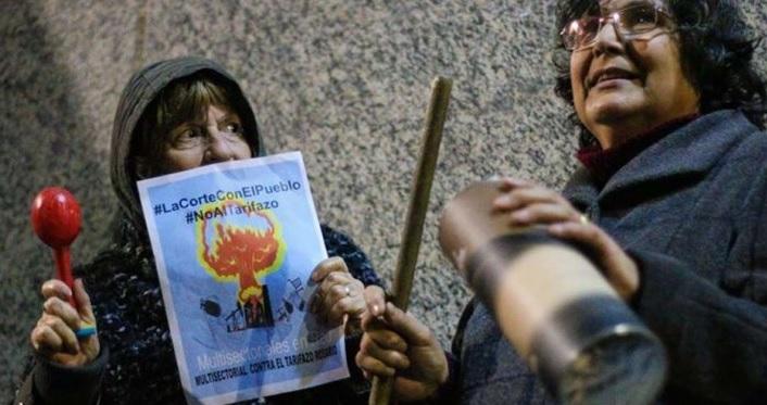 """Argentinos realizan """"ruidazo"""" contra políticas de ajuste de Macri"""