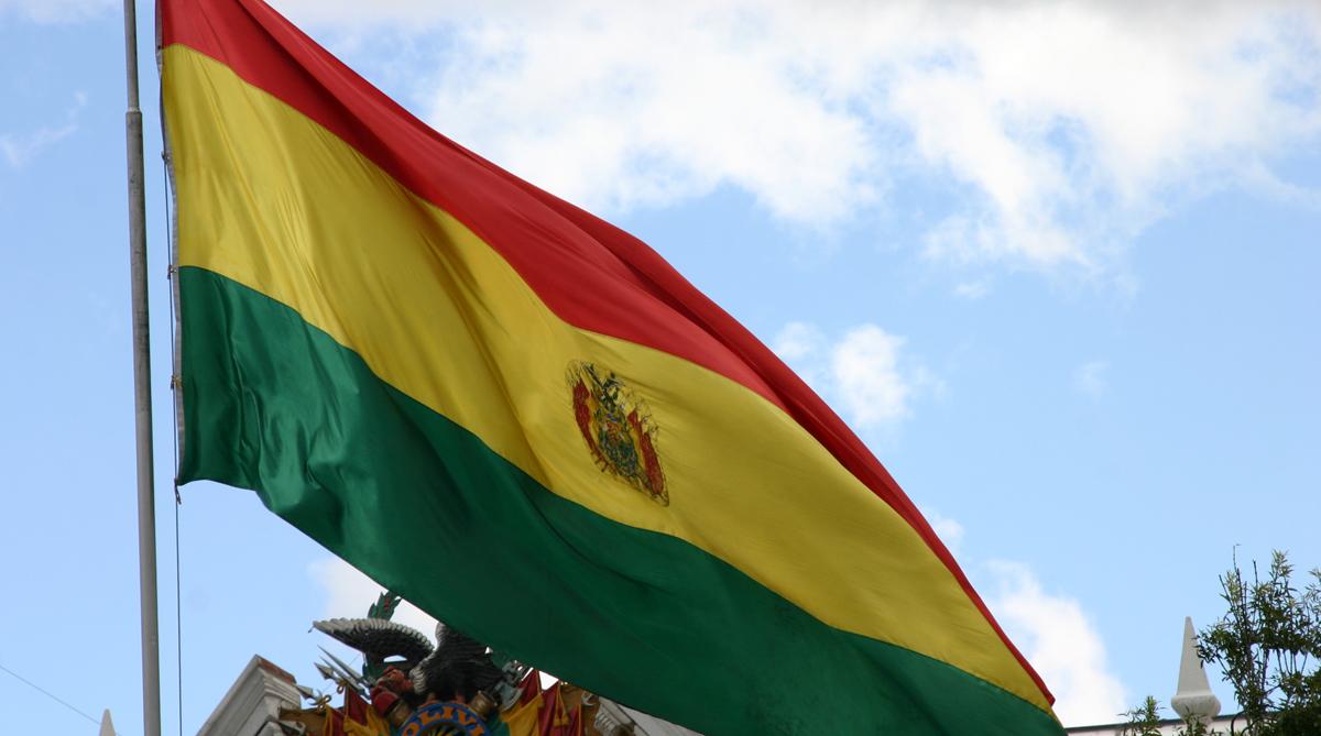 Bolivia denuncia retiro de bandera en consulado en Chile