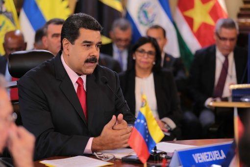 El secretario general de la OEA, Luis Almagro, llamó a elecciones generales en 30 días mientras el presidente Maduro aseguró que Venezuela no aceptará amenazas.