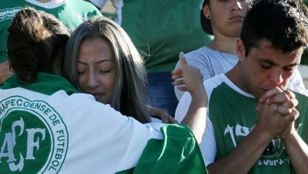 Chapecoense fans honoring the victims of the team