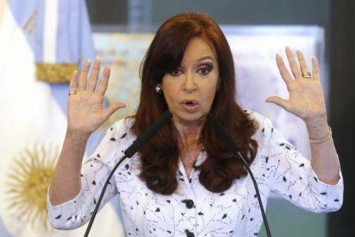 Cristina Fernández irá a juicio oral según dispuso el juez Bonadio.