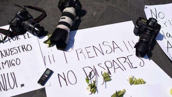 Un 75 por ciento de los periodistas mexicanos manifestaron haber sido amenazados más dedos veces.