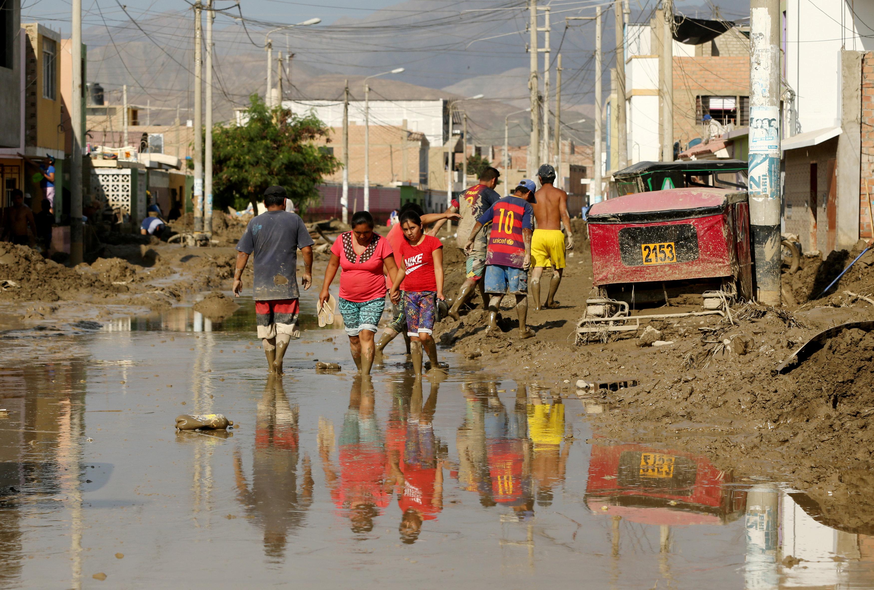 Afectados por las lluvias en Perú exigen ayuda del Gobierno