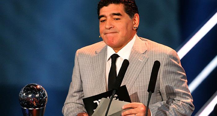 Maradona renuncia a su cargo como embajador de la FIFA