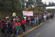 Some 2,000 members of the Cauca nationality held a mass mobilization Friday on the Pan-American Highway.