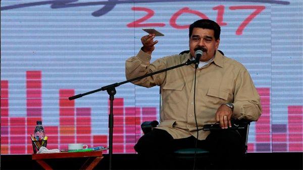 """El mandatario ratificó la vigencia de los poderes en Venezuela, que actúan ajustados """"a la Constitución y a su consciencia""""."""