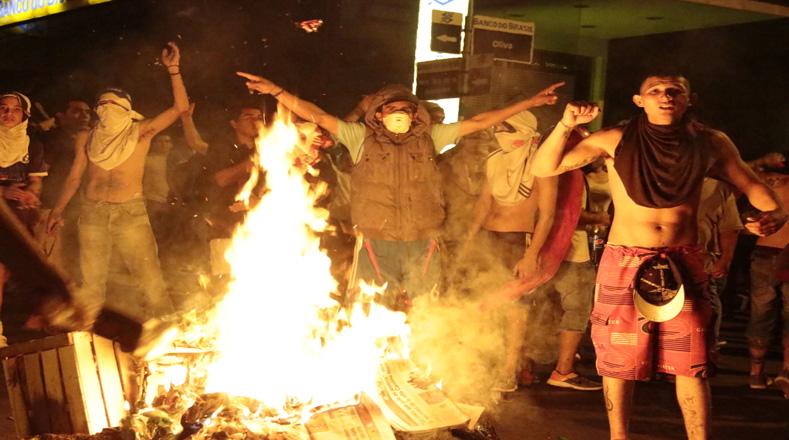 Los incendios estuvieron muy presentes en las protestas de los paraguayos.