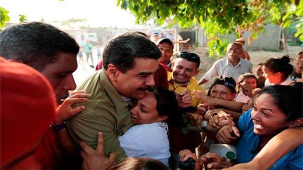 Maduro instó a dar la batalla por la paz y la democracia en el país.