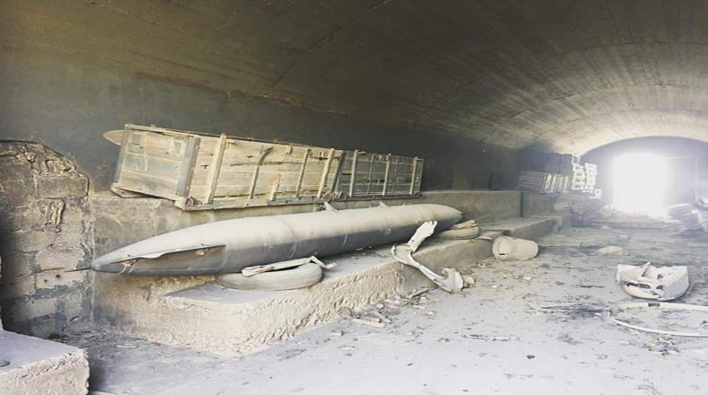 Menos de la mitad de los misiles impactaron contra la base, mientras que 36 no alcanzaron el objetivo, aseguró un periodista ruso, Ígor Korótchenko, citando fuentes militares.
