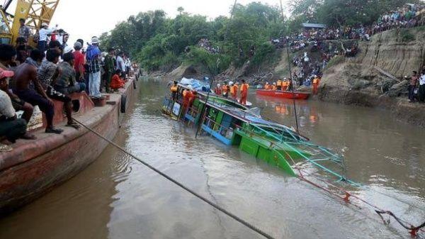 En octubre otras 73 personas fallecieron en un accidente de este tipo en esta nación.