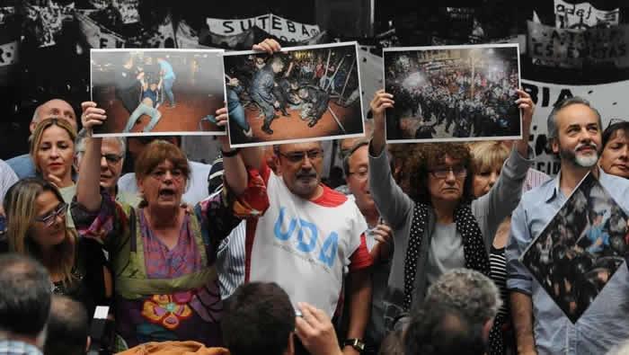 Docentes argentinos se van a paro nacional contra la represión