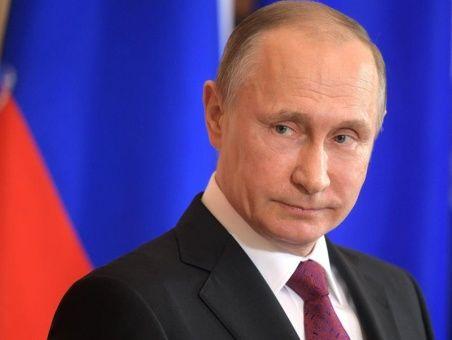 """Putin: """"Los aliados de EE.UU. en la OTAN le hacen coro pese a que violó el derecho internacional""""."""
