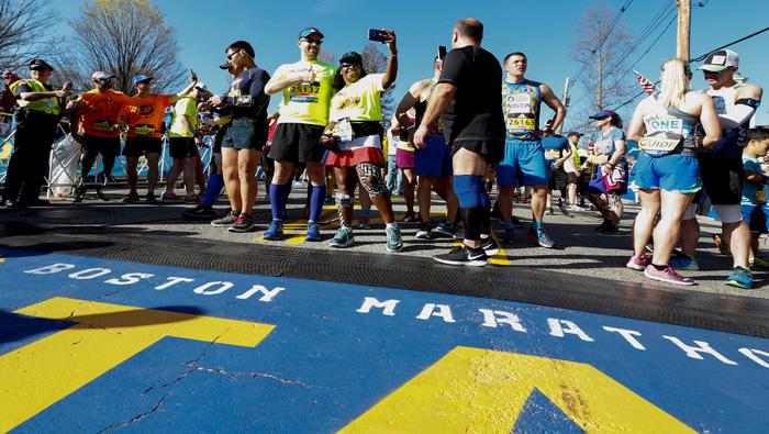 Más de 30.000 atletas participan en el Maratón de Boston