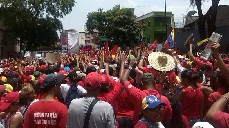 La histórica marcha del pueblo Revolucionario, a propósito de los 207 años de declaración de independencia del país suramericano, salió desde diferentes puntos de Caracas.
