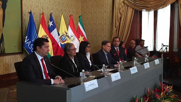 Venezuela entrega presidencia pro tempore de Unasur a Argentina