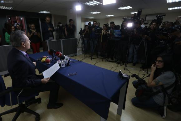 Sancionan a 7 medios en Ecuador por censurar investigaciones