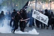French newspaper Le Monde reported that several hundred protesters took to the streets; throwing bottles and fireworks.