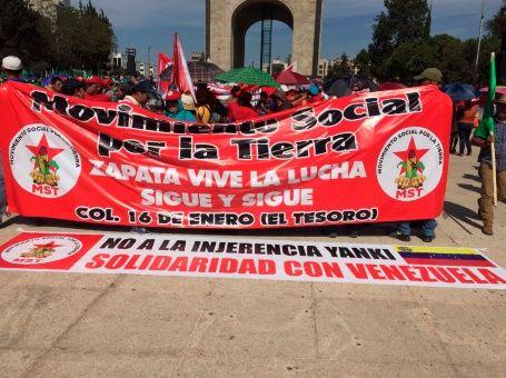 Desde varias ciudades de México los campesinos marcharon en apoyo a Venezuela.