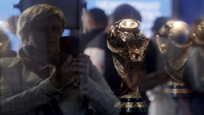 Fiscalía francesa investiga concesión de Mundiales de fútbol