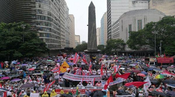 Los sindicatos de casi todos los estados de Brasil se sumaron a la huelga general de este viernes.